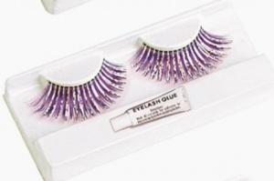 Pestañas violeta y plata
