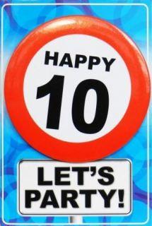 Tarjeta de cumpleaños con chapa happy 10