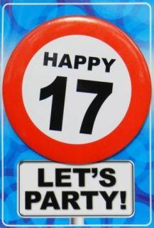 Tarjeta de cumpleaños con chapa happy 17