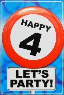 Tarjeta de cumpleaños con chapa happy 4