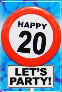 Tarjeta de cumpleaños con chapa happy 20