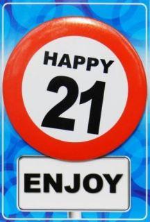 Tarjeta de cumpleaños con chapa happy 21