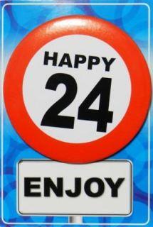 Tarjeta de cumpleaños con chapa happy 24
