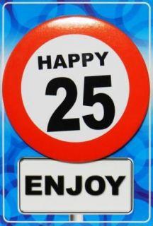 Tarjeta de cumpleaños con chapa happy 25