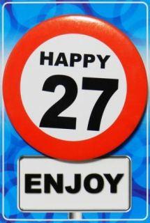 Tarjeta de cumpleaños con chapa happy 27