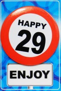 Tarjeta de cumpleaños con chapa happy 29