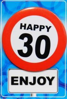 Tarjeta de cumpleaños con chapa happy 30