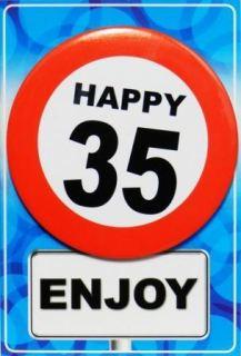Tarjeta de cumpleaños con chapa happy 35