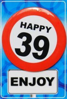 Tarjeta de cumpleaños con chapa happy 39