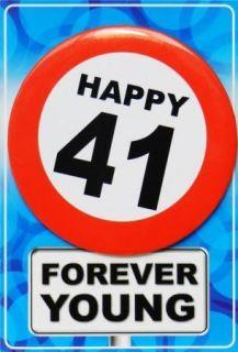 Tarjeta de cumpleaños con chapa happy 41