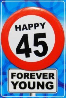 Tarjeta de cumpleaños con chapa happy 45