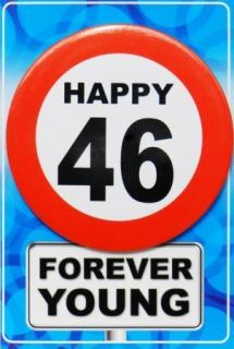 Tarjeta de cumpleaños con chapa happy 46