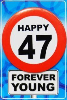 Tarjeta de cumpleaños con chapa happy 47