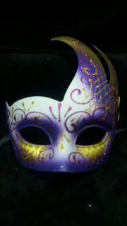 Mascara Veneciana brillo cisne