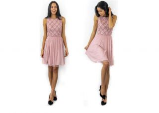Vestido Crazy London conchas rosa palo