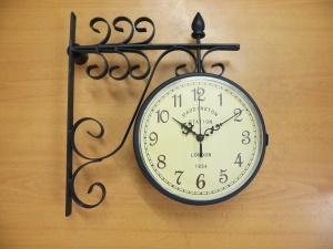 Reloj estacion adornos