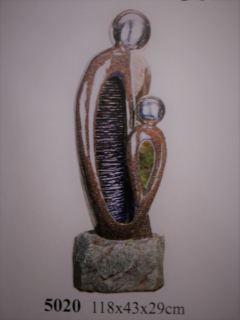 Fuente resina mujer con niño 118 cm.