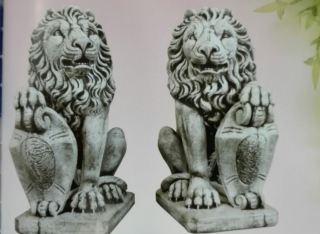 Pareja leones escudo grande