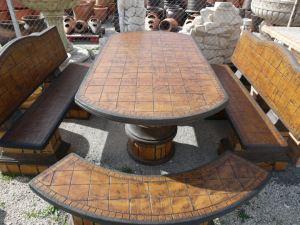 Comedor medieval oval  respaldos pintado