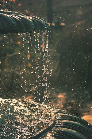 Fuentes y estanques de piedra artificial