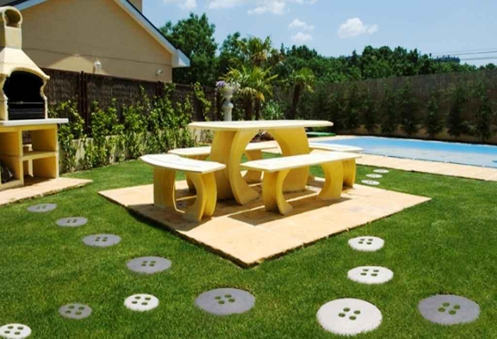 Mesas para jardines y piedras decorativas, lo que necesitamos para el patio soñado