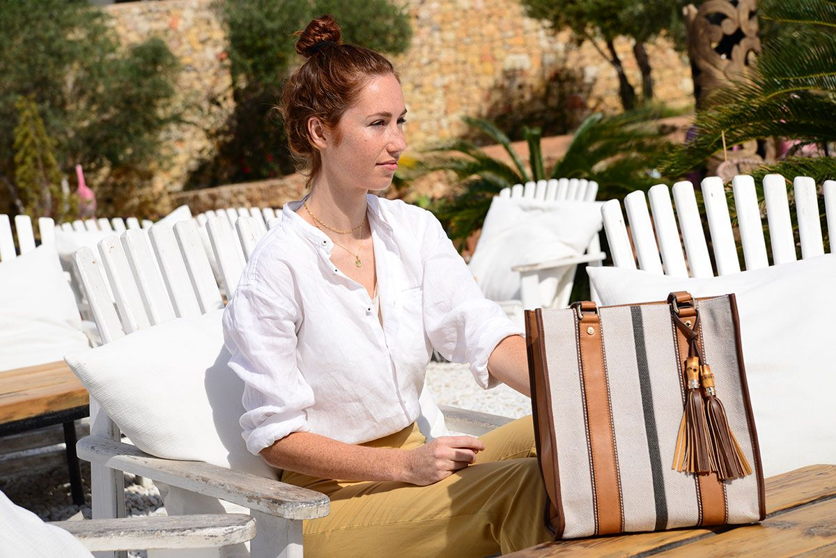 PROJECT YOUR BEST IMAGE WITH A CANVAS BAG
