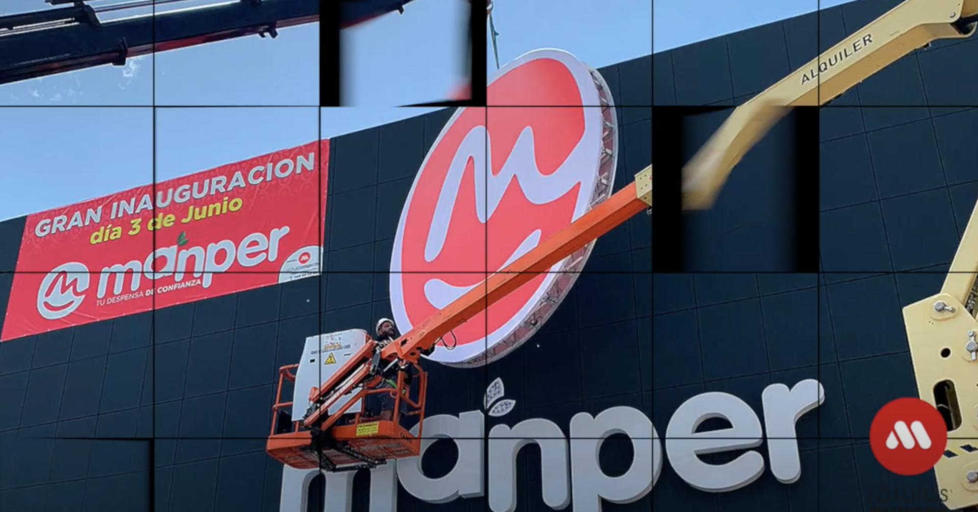 Foto Instalación y rotulación 100% integral. Supermercados Manper
